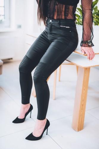 Z327 Czarne woskowane spodnie damskie rurki z prążkami rozmiar xs s m l xl